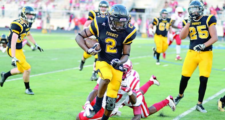 Terrell Runs Past Forney High School 23 9 Forney Messenger
